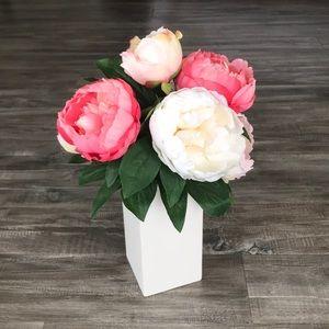 Beautiful Faux Floral Arrangement 💐😊